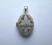 Sterling silver Cubic Zirconia Oval locket